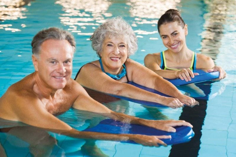 faire de l'aquagym après 60 ans