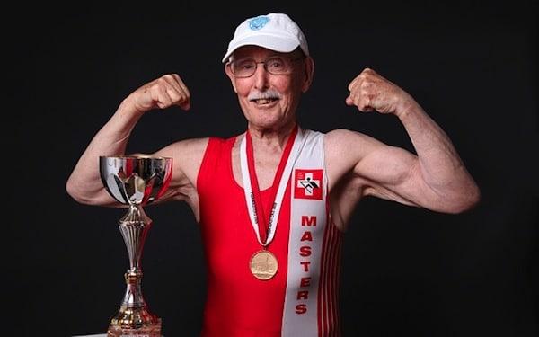 Charles Eugster bat le record du monde du 200 mètres à 95 ans
