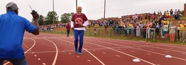 Ella Mae Colbert record du monde du 100 mètres féminin chez les seniors