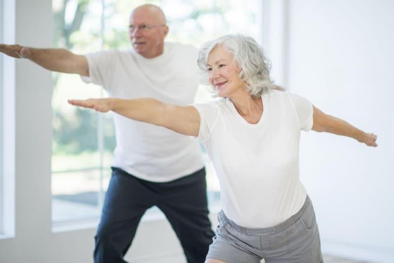 Exercices de prévention de l'arthrose pour les membres inférieurs