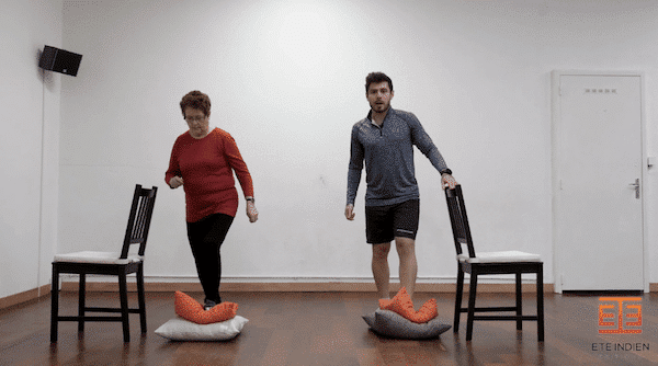 Séance d'exercices de prévention des chutes en vidéo