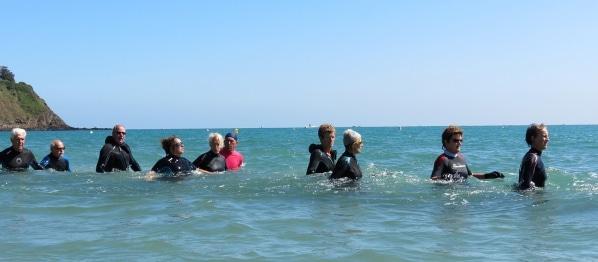Le longe-côte est une nouvelle activité physique pour les seniors