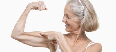 Muscler ses triceps après 50 ans : 3 exercices