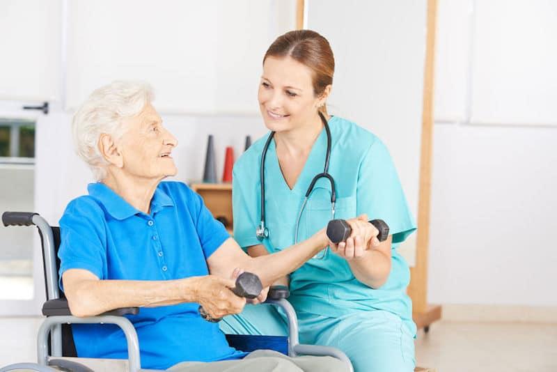 Perte d'autonomie des personnes âgées : quelle définition et quelles solutions