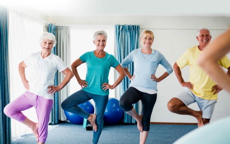 Exercices de prévention des chutes pour les seniors