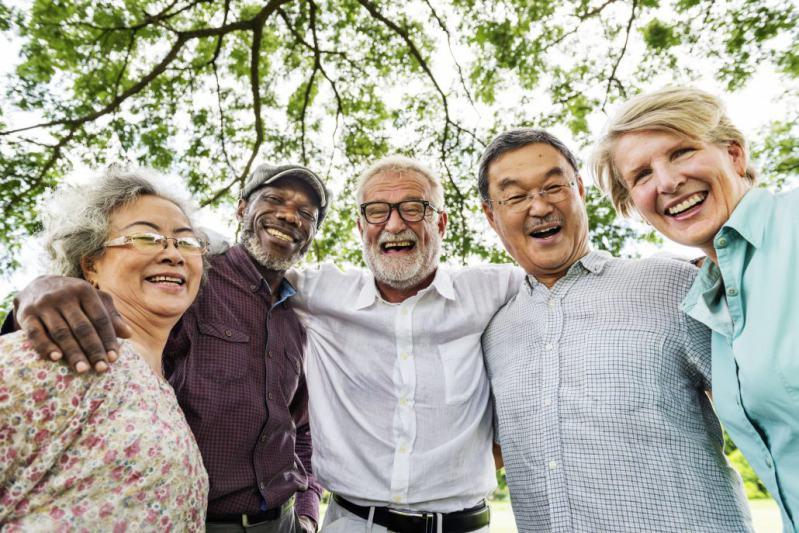 groupe de seniors en bonne forme