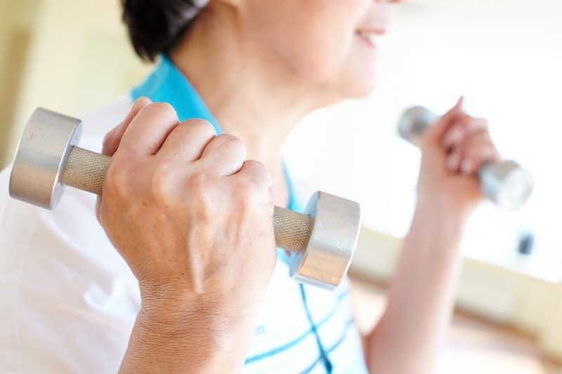renforcement musculaire des bras quand on est senior