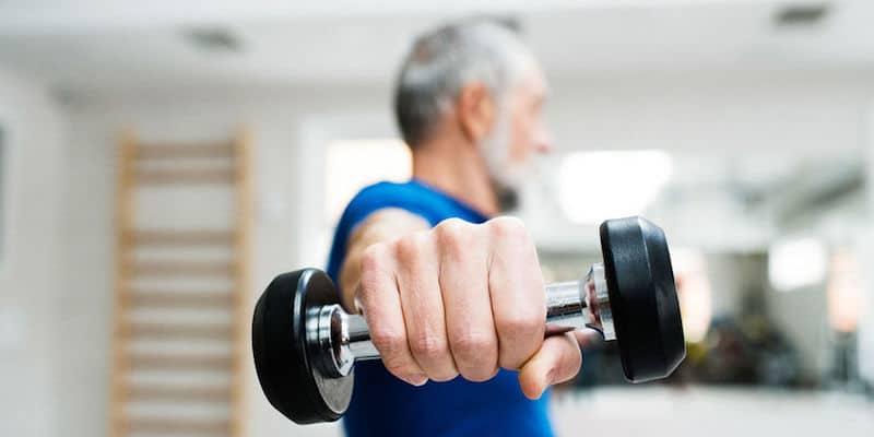Renforcer ses muscles après 50 ans : pourquoi est-ce nécessaire ?