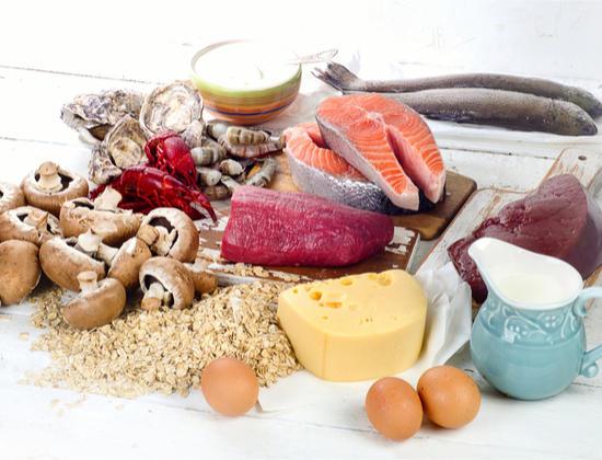 Comment prévenir la carence en vitamine B12 chez les seniors?